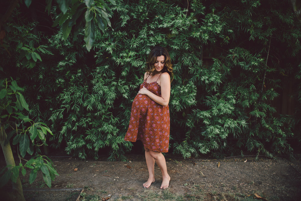 los angeles-maternity-barefoot-mama-lifestyle-dress-boho-venice-california-jungle