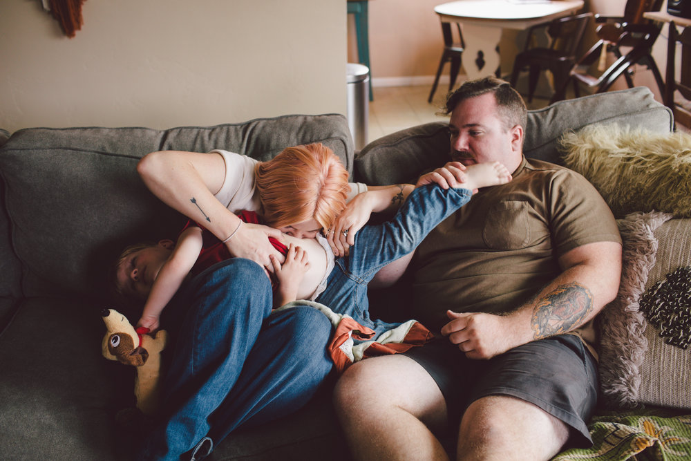 cuddles-san diego-in home-lifestyle photography-family