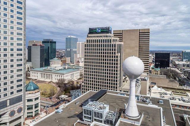 Water tower sits atop the roof of the Lazarus Building in downtown Columbus. In 2004 the store closed after almost 100 years. It underwent a $60 million renovation from 2005-08 resulting in the first LEED Gold Certification for a renovation project in central Ohio. . . . #dronephotography #drone #djiglobal #fromwhereidrone #drone_countries #explorecreate #beautifulplaces #droneofficial #skypixel #skyhilife_drones #gameofdronez #dronedose #dronespace #dronedaily #iamdji #droneart #thedroneu #droneglobe #dronenerds #majestic_earth #mastershots #beautifuldestinations #electic_shotz #earthpix #dronepals #agameoftones #watertower #wanderlust #downtown #skyline