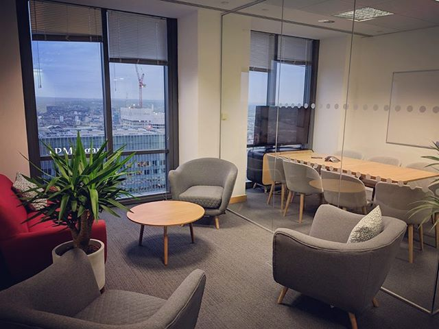 Sometimes all an office space needs is a few nice chairs and some plants to make it feel less corporate ✨  This company wanted to make their Canary Wharf office feel warmer without spending thousands, as they're likely only to be here for a year or two. It was important that everything 'nice' could be taken with them when they move. Cue some good furniture and some accessories to brighten it up 💫 plus some gorgeous plants from @sulaflowers  #interiordesign #officedesign #fintech #madedotcom #interiors #ryderinteriors #interiors #officefurniture