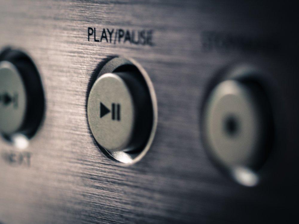 Pause / play