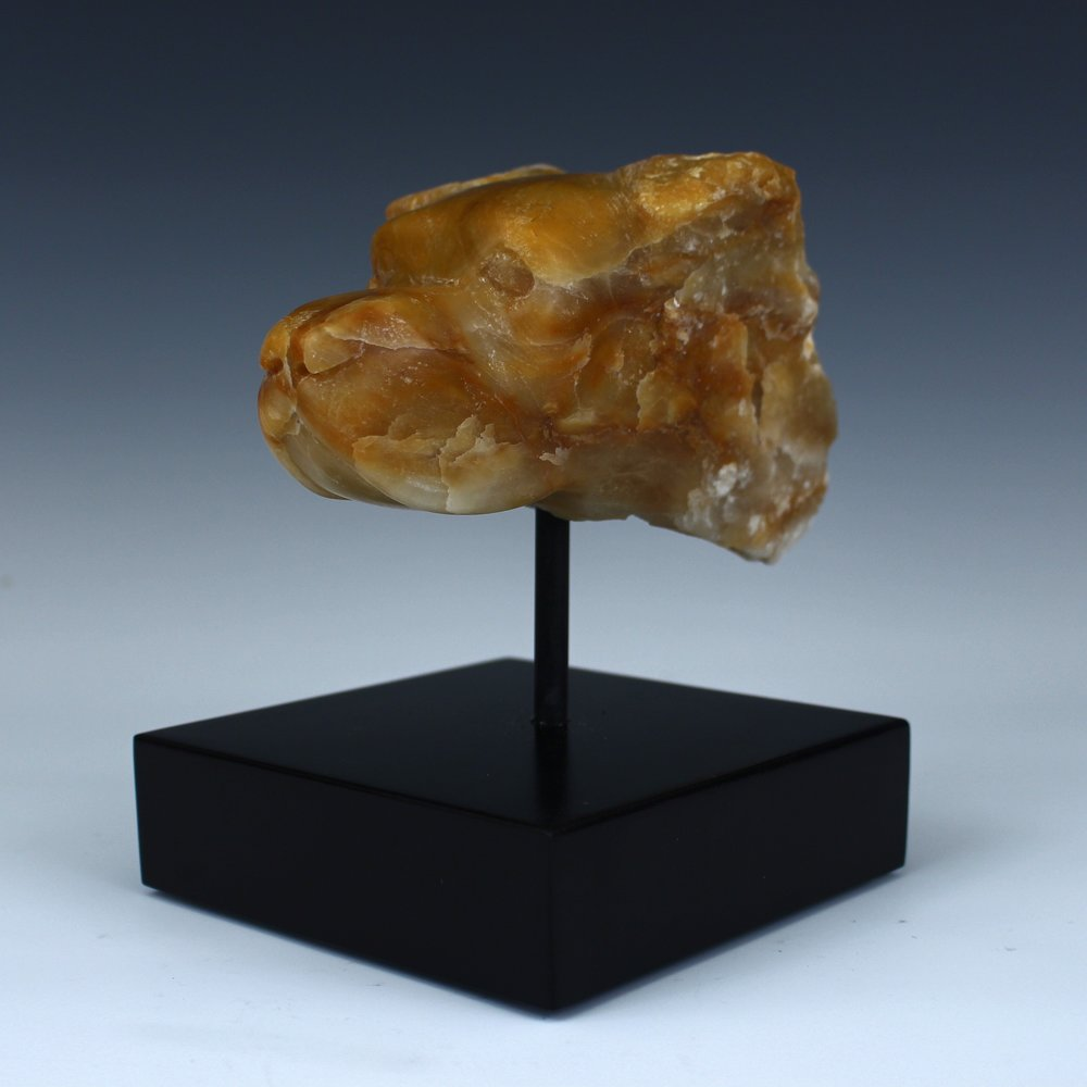 """Dog"" Harvest Gold Alabaster"
