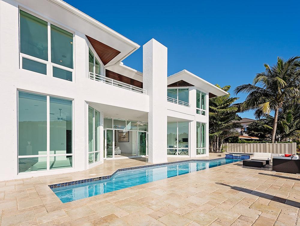 Exterior-Pool.jpg