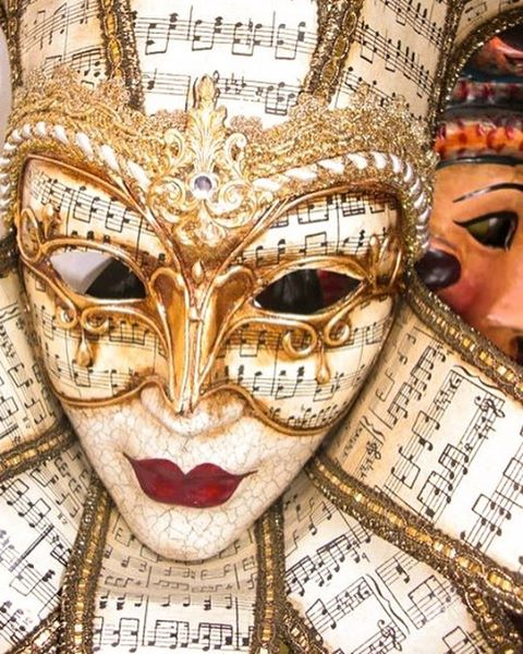 📍: 🇮🇹 | Buon carnevale a tutti! 🎶🎭 | #carnevale #carnevaledivenezia #carnevalevenezia #venicecarnival #venice #igersvenezia #igersvenice #ig_venezia #ig_venice #italy #italia #igersitalia #igersitaly #ig_italia #ig_italy #topvenicephoto #topitalyphoto #italygram #italytravel #italy_vacations #italy_photolovers #photooftheday #picoftheday #bestoftheday #travelgram