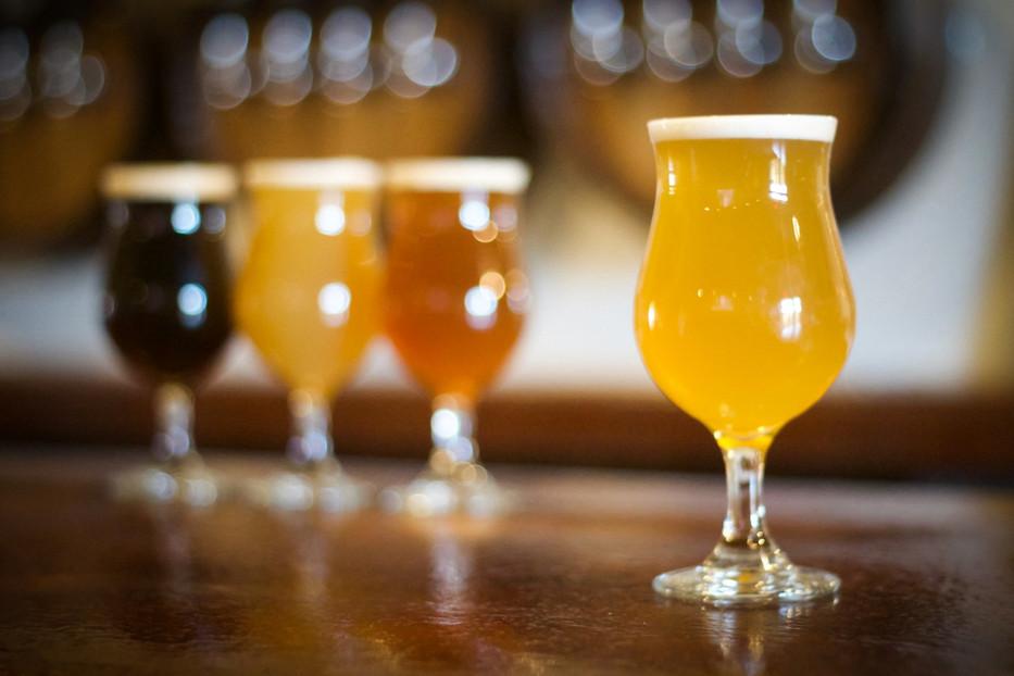 933_IBC_Bar_Top_Beer.jpg