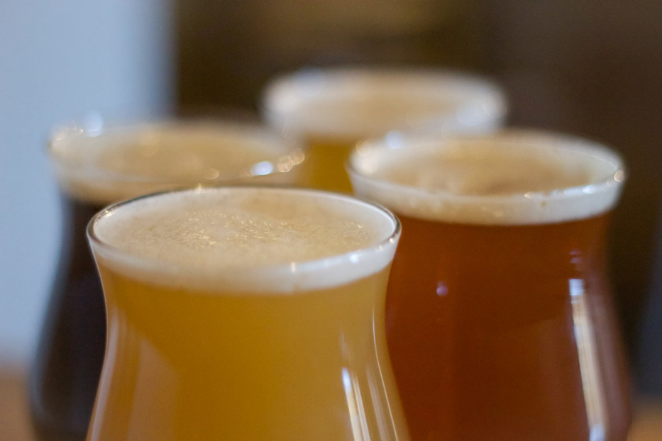 933_IBC_Beer_Glasses_Four_Top_2 (2).jpg