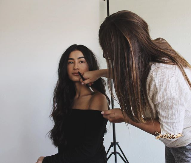 Did you know we have an in-house Hair and Makeup Artist? Becauseee we do, and she's about to blow your minds @smrbeauty xx #talentmanagement #branddevelopment #contentcreator #losangeles #photoshoot #models