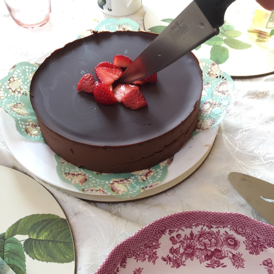 Easter+chocolate+cake+Jane+Hinchliffe.jpg