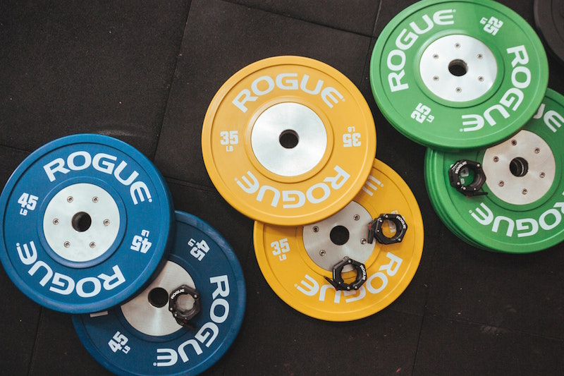 gold gym vs planet fitness.jpg
