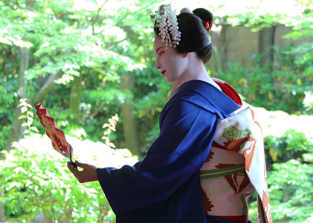 © Kyoto Flower Tourism, kyoto.flowertourism.net/maiko/