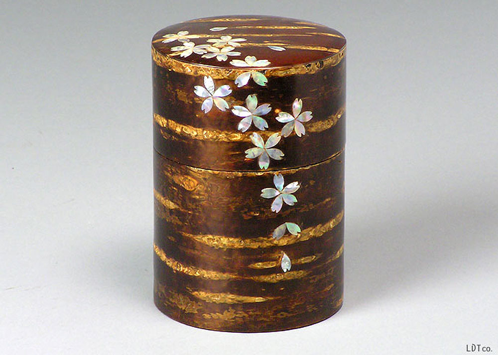 ©  LDT , Akita Cherry-Bark Tea Caddy
