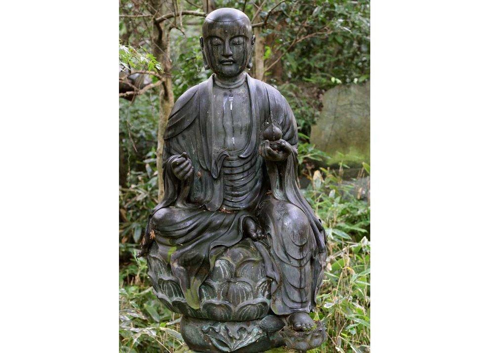 © Anika Ogusu, Real Japanese Gardens, Buddha Statue