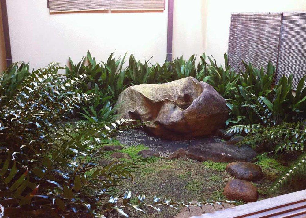 © Anika Ogusu, Real Japanese Gardens, Tsuboniwa Courtyard Garden