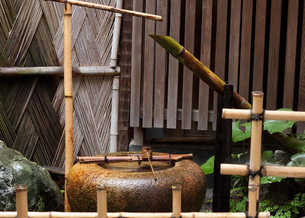 © Anika Ogusu, Real Japanese Gardens, Shishiodoshi