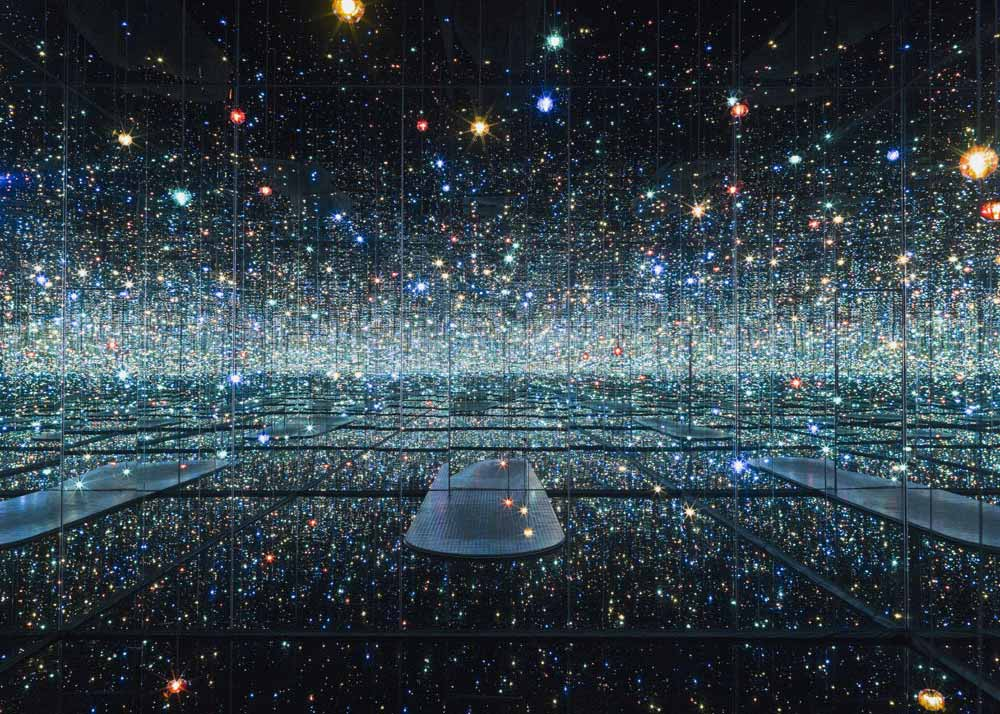 ©  The Broad , Infinity Mirrored Room