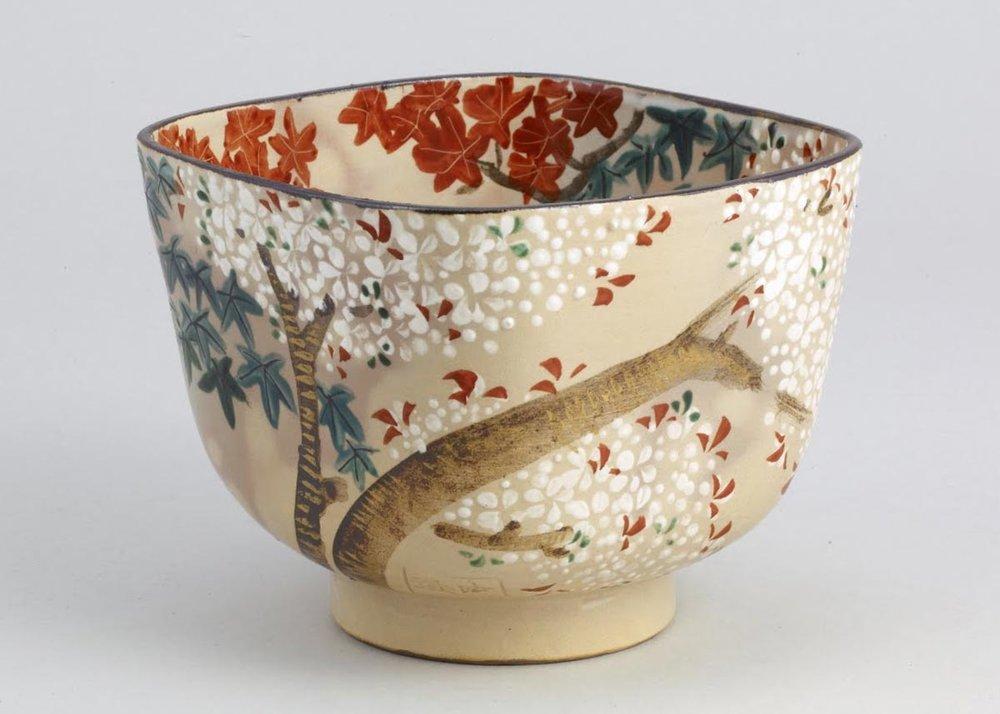 ©  Nomura Museum of Art , Square Bowl with Cherry Blossom Design, Ninami Dohhachi, 19th Century