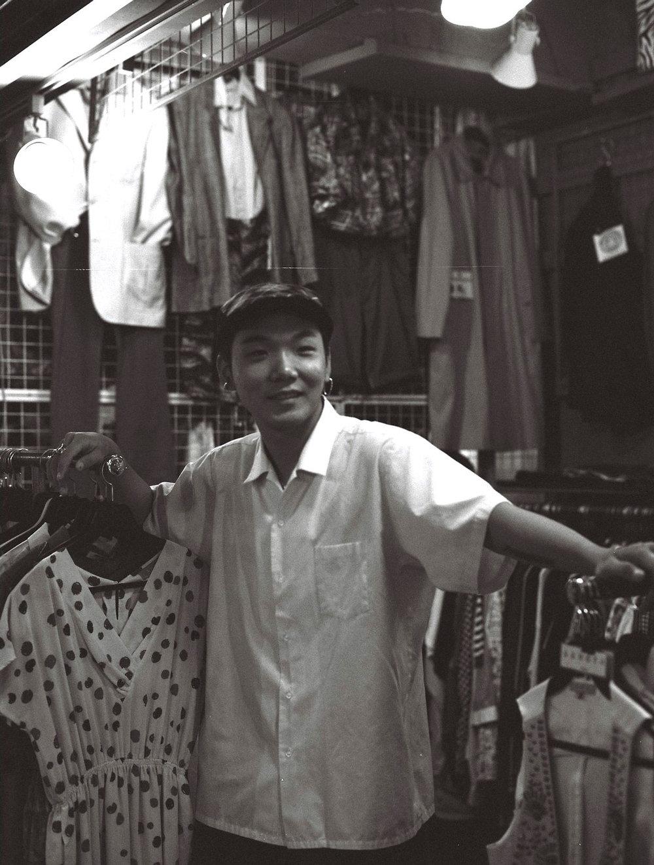 """손두송 (26) – """"거짓말 하지 말자.""""  Son Dusong (26) – """"Do not lie."""""""