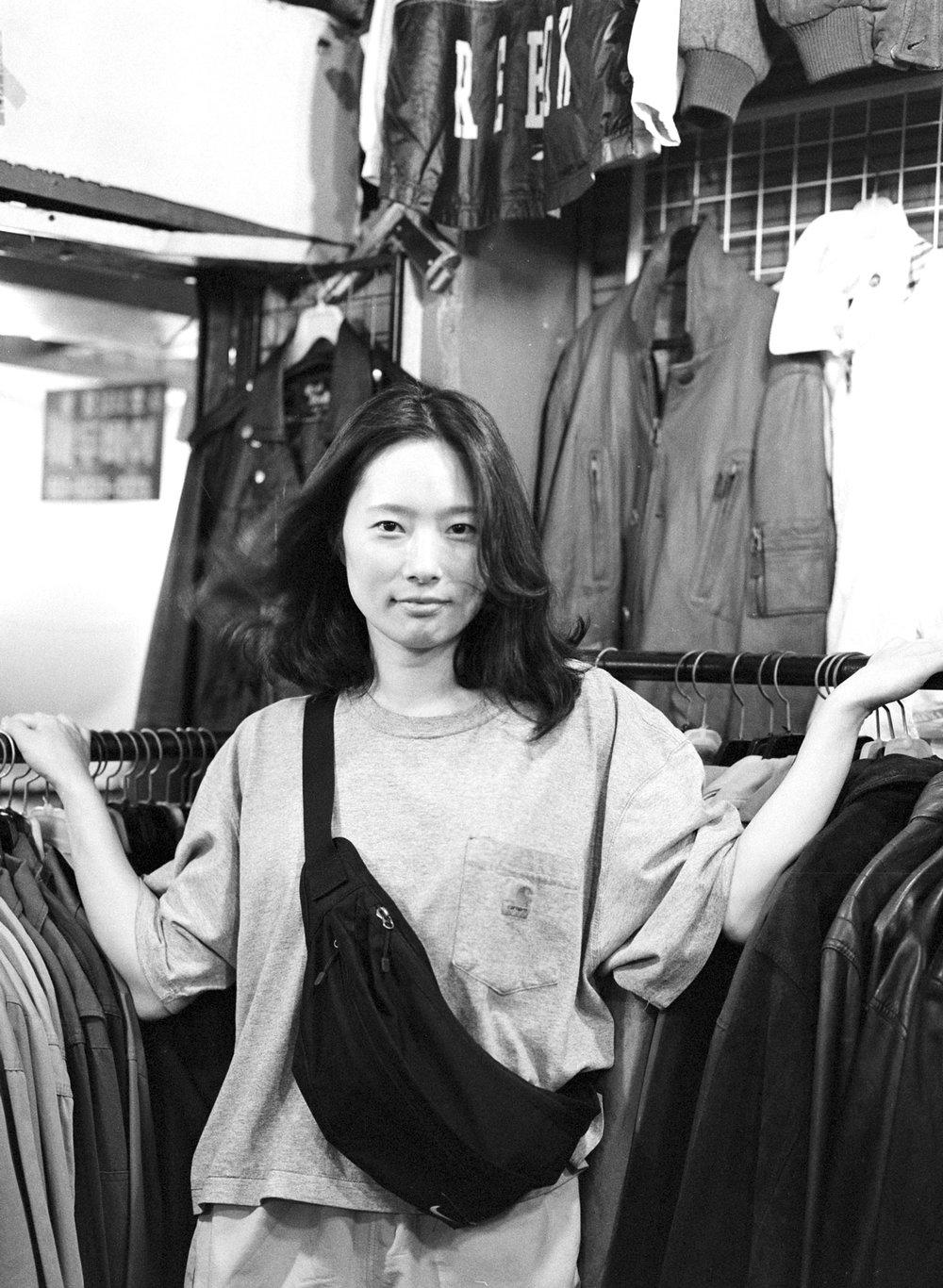 """오윤미 (38) - """"살다보면 더 나아진다? 어제보단 무조건 오늘이 더 나아진다.""""  Yun-mi Oh (38) - """"Life gets better? Today is better than yesterday, by all means."""""""