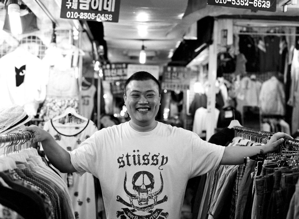"""서영호 (32) - """"인생을 즐기자.""""  Young-ho Seo (32) - """"Enjoy your life."""""""