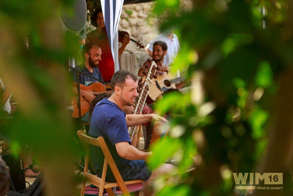 """Impartiendo el taller """"Jugar con tu instrumento"""" en el festival WIM 2016"""