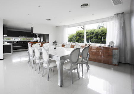 6 Dining room to kitchen .jpg