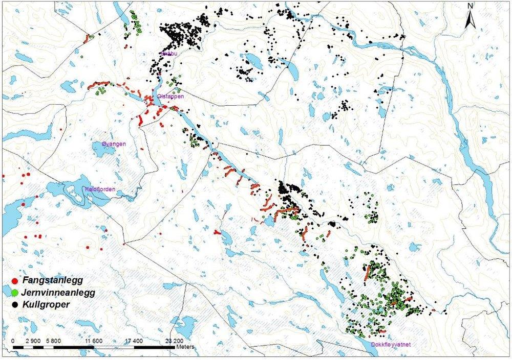 Oversiktskartet viser den store mengden fangstanlegg, jernvinneanlegg og kullgroper som finnes i Elgland. Kilde: Fylkesarkeologene, Oppland Fylkeskommune.