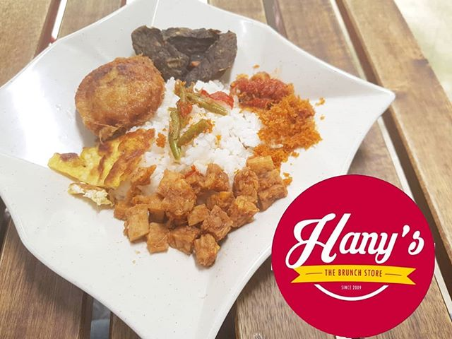 Featuring our Nasi Sambal Goreng! Its robust flavour and hint of spice is guaranteed to knock your socks off. Our cafe is located at Tampines Blk 406 #01-23, so try it now for yourself!  If you would like us to provide sumptuous food for your event, production or filming, do contact us at +65 65898478 or +65 90034209 or you may email us at hello@hanysthebrunchstore.com  Visit our store at :- HANY'S TheBrunchStore 406 Tampines St 41 #01-23 Hello@hanysthebrunchstore.com www.hanys.sg  #foodieguide #fooddelivery #foodcatering #halalfood #halalfooddelivery #burpple #sgeats #tampinesgotwhat #HanysSG #hanysthebrunchstore #catering #supportlocal #deliciousfood #breakfastonthego #breakfast #breakfastpack #breakfastpackage #eggmayosandwich #currypuff #meal #food #halal #singapore