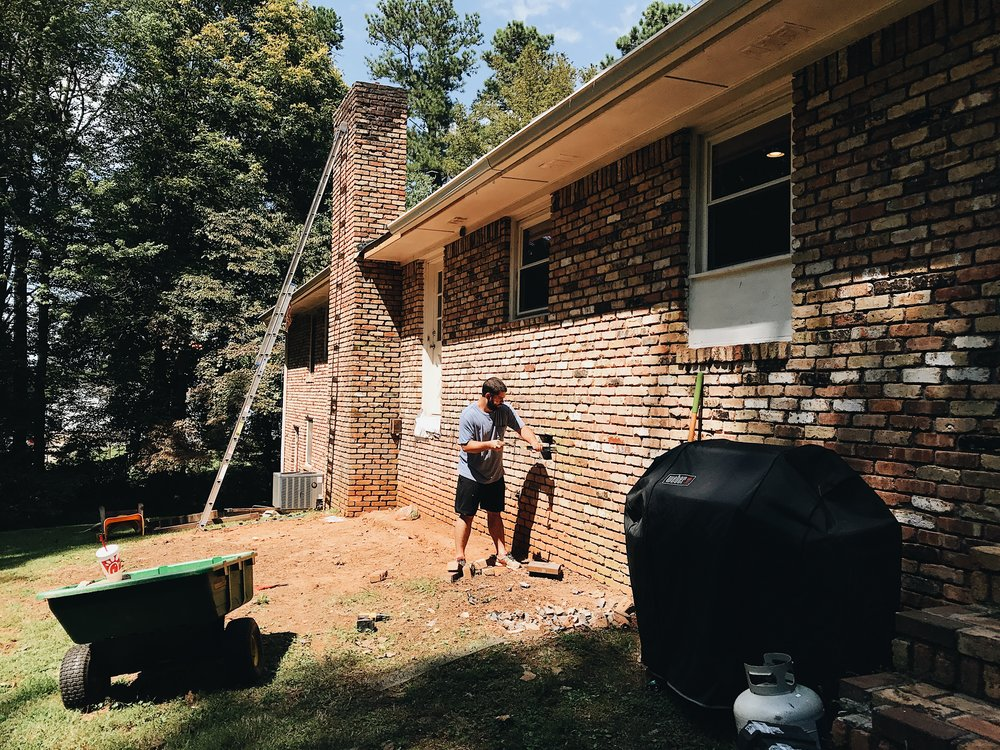 HOW TO REPLACE MISSING BRICKS IN EXISTING BRICK WALL THIS MINIMAL HOUSE BLOG 1.JPG