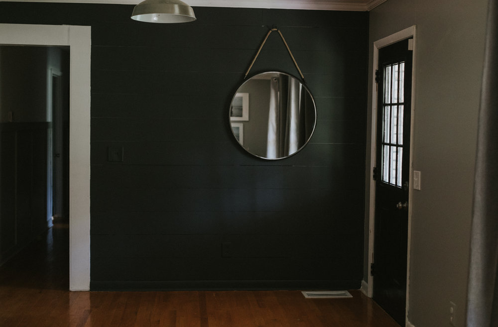 THIS MINIMAL HOUSE ENTRYWAY