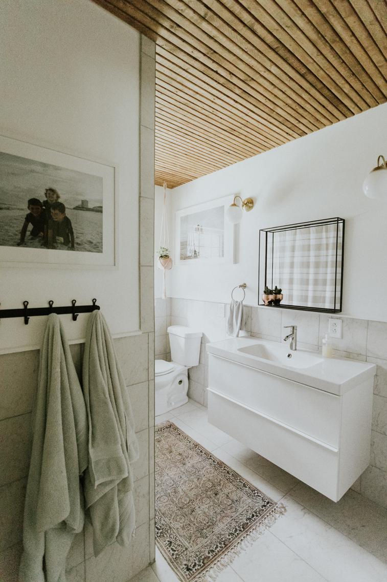 GUEST BATHROOM REMODEL www.thisminimalhouse.com