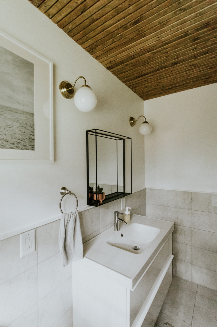 BATHROOM RENOVATION www.thisminimalhouse.com