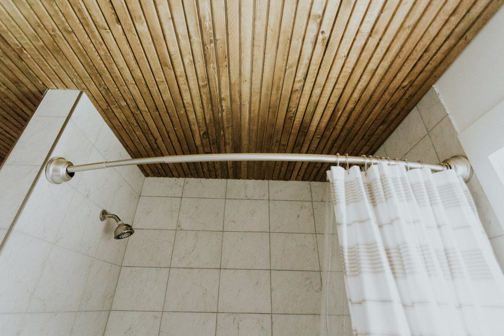 BATHROOM CEILING www.thisminimalhouse.com