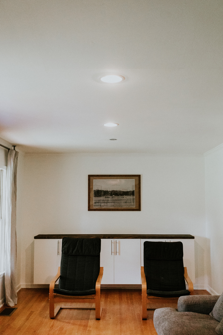 THIS MINIMAL HOUSE RECESSED LIGHTING