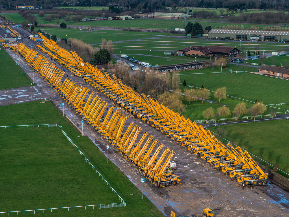 newark showground cranes