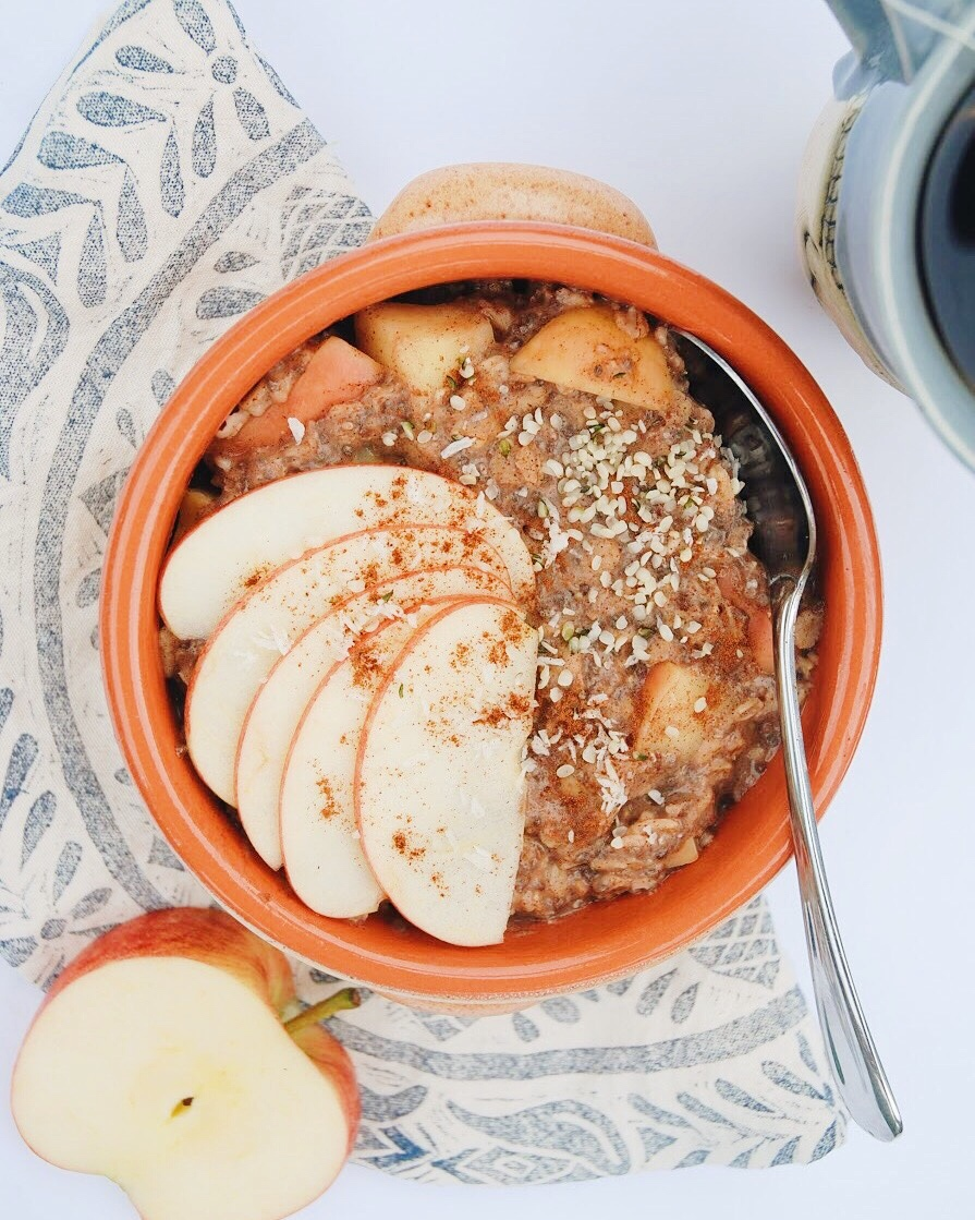 Apple Pie Oatmeal - Foody First