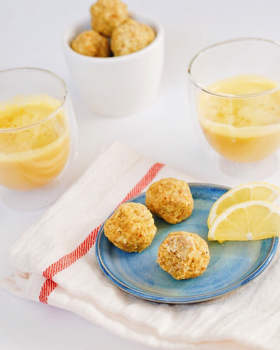 Golden Fat Balls with Lemon - Foody First - a tasty, refreshing, healthy-fat filled snack that will keep you full and energized without the energy slump! The addition of the turmeric adds healthy benefits! Paleo, raw, whole30, keto, no sugar added, vegan, gluten free, and dairy free. #keto #fatballs #fatbombs #dairyfree #vegan #whole30 #whole30snacks #raw #glutenfree #paleo #healthysnacks #healthyfats #turmeric #goldenmylk