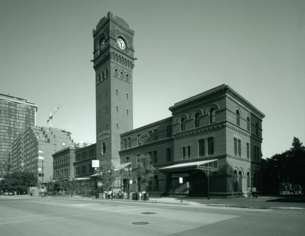 Dearborn Station Chicago ©2002