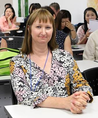Sara Cook - Enjoying the lectures at the Korean Bojagi Forum in 2016 in Suwon.