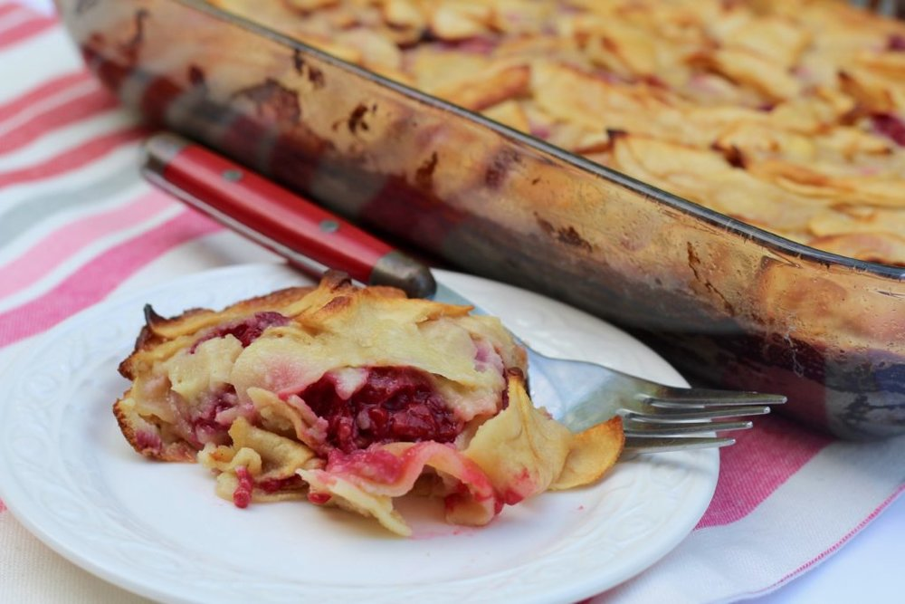 Diary of a Mad Hasufrau_Apple-Raspberry-Cake-.9-1024x683.jpg