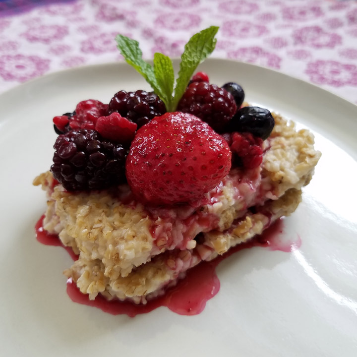 ny-berry-growers-seared-oatmeal-stewed-berries-recipe.jpg