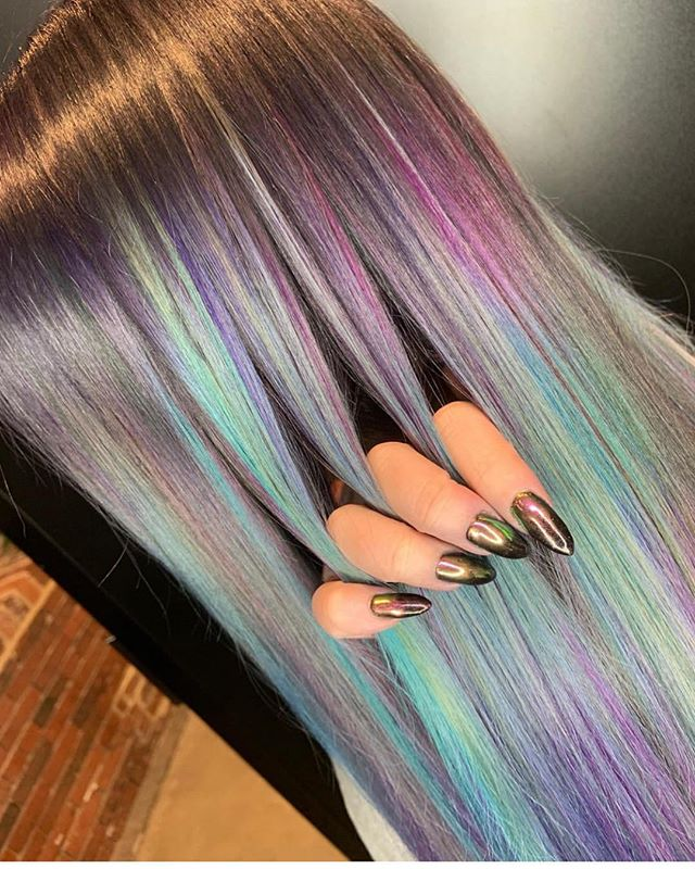 "The devil does it again.... 🎨 @devilmademedooit 💁🏼‍♀️ So many fine color details on Leah's lovely locks. Hillary is a Level 5 stylist with limited availability. She loves dogs, rock n' roll and saying, ""dude"". Have we met? #oomphsalon 💅🏽 Shoutout to @glitter4_breakfast for this incredible manicure."