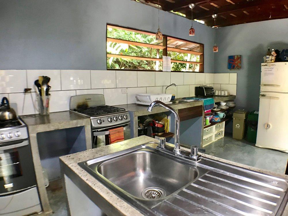 Luz Kitchen (2).jpg