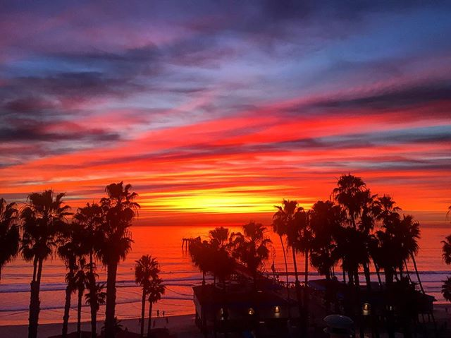 Can't get enough of these winter sunsets. #sanclemente #orangecounty #southcounty #oc #sanclementepier #wintersunset #fireinthesky #surfcentral #calivibes #socality #caliliving #socal #casatropicana