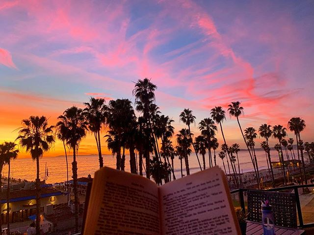 A good book with a great view. How's your weekend going? #sanclemente #sanclementepier #sunset #socal #socality #oc #southcounty #orangecounty #caliliving #calivibes #naturevibes #lovewhereyoulive #paradise #casatropicana
