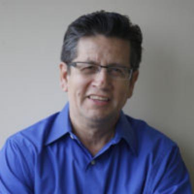 Maestro of Professional Achievement    Roberto Medrano    COO - Venture Network