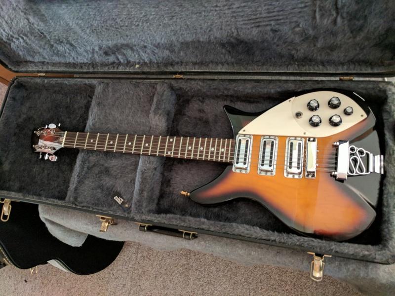 guitar (1069).jpg