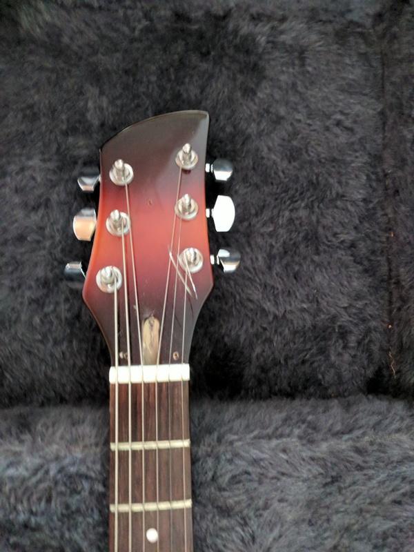 guitar (1071).jpg