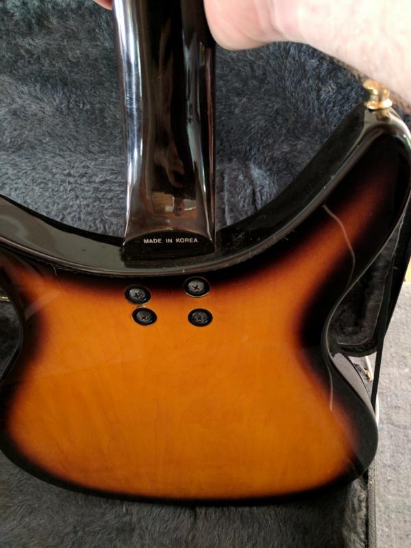 guitar (1073).jpg