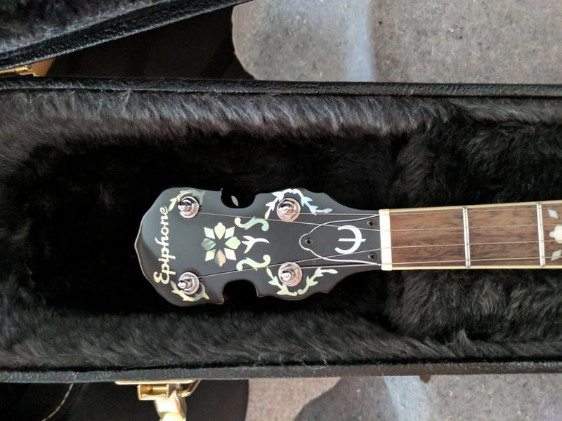 guitar (1077).jpg