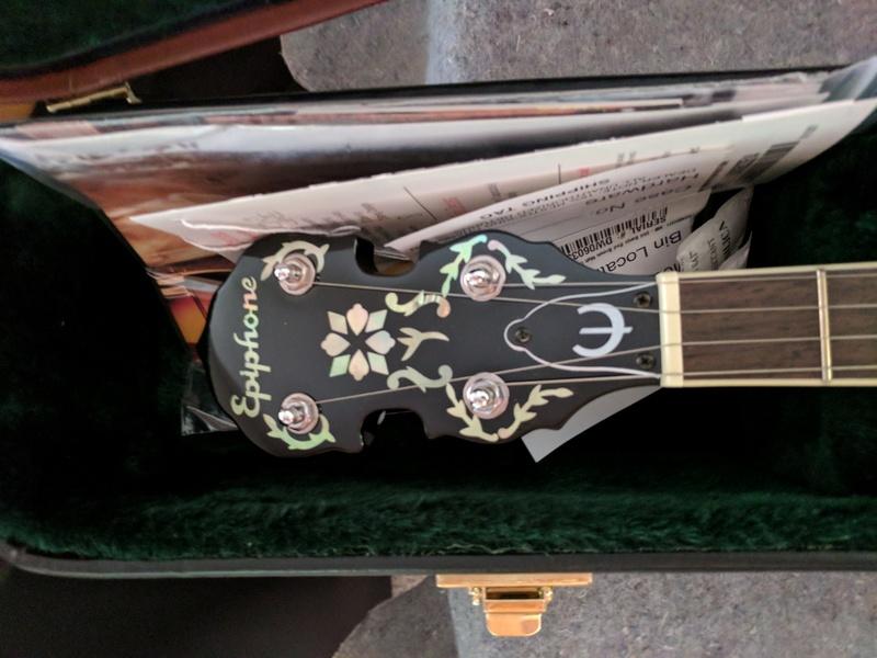 guitar (1088).jpg